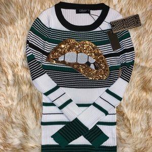 Beautiful sweater 👑